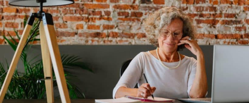 Apprendre l'anglais à 50 ans est-ce possible ?